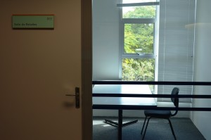 Sala de estudo individual da Biblioteca Central da PUCRS
